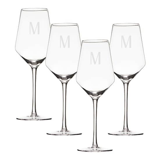 Set of 4 elegant and modern white wine glasses