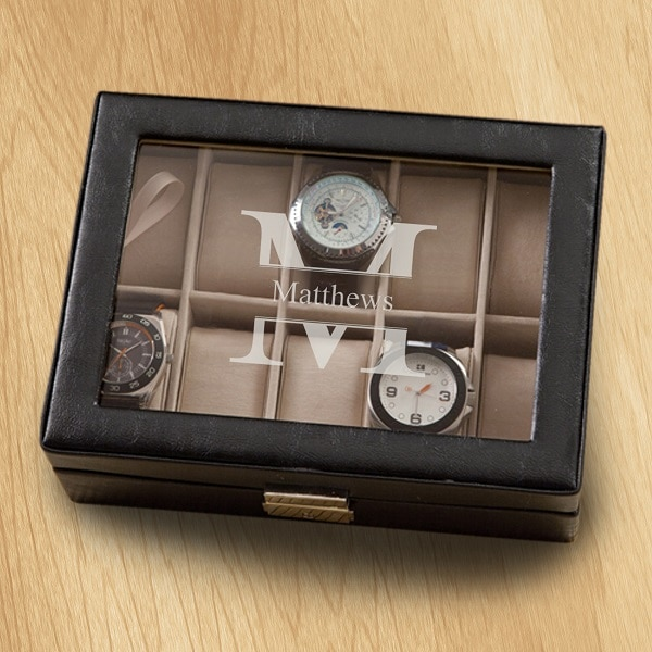 Stamped monogram design on the GC1400 Men's Watch Case