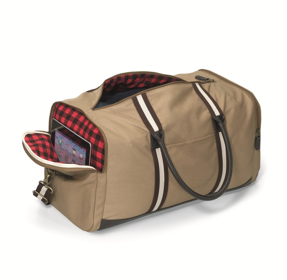 A spacious, padded pocket for your tablet is located on the end of the duffel bag.