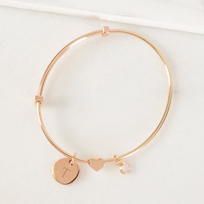 A universal fit ensures the bracelet will fit all of your bridesmaids' wrists.