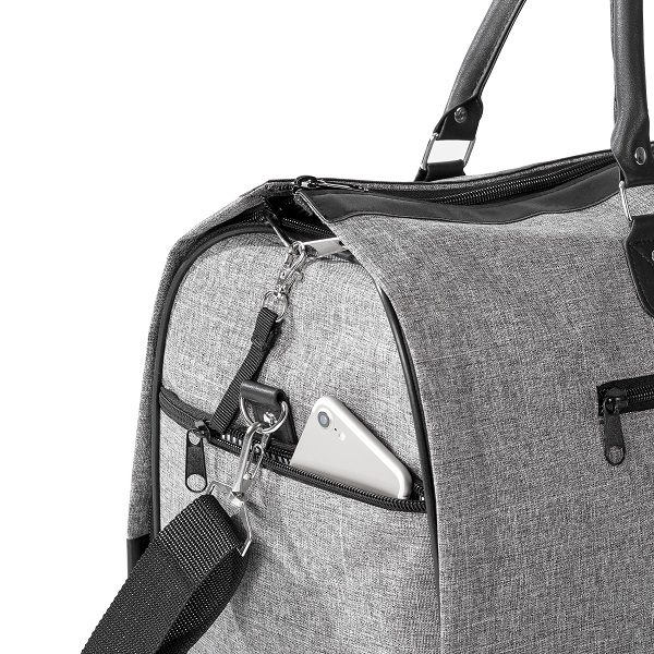 The dual zipper mechanism ensures your garment bag will never fly open while on the go!