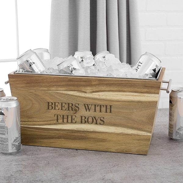 Enjoy some beers with the boys before the wedding with this rustic ice trough.