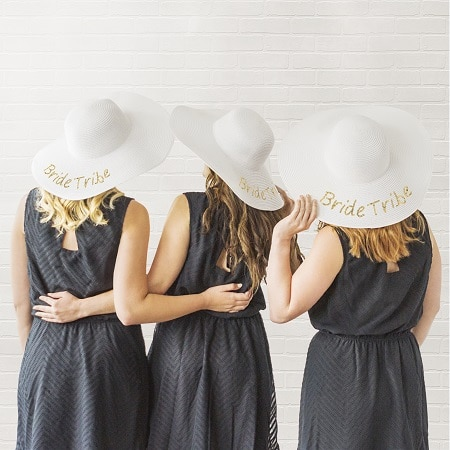 Matching floppy sun hats for bridesmaids.
