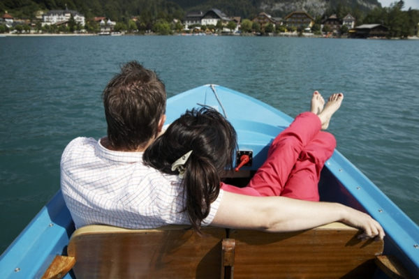 honeymoon-relaxation-boat