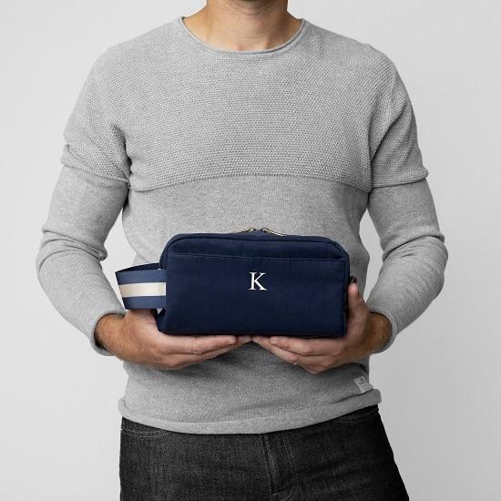 The convenient size of the men's nylon dopp kit makes it the best size for a men's bathroom travel kit
